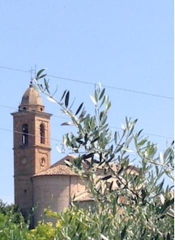 Palazzo del Sole mit Panoramablick, ruhig + grossz - Moregnano - Leilighet