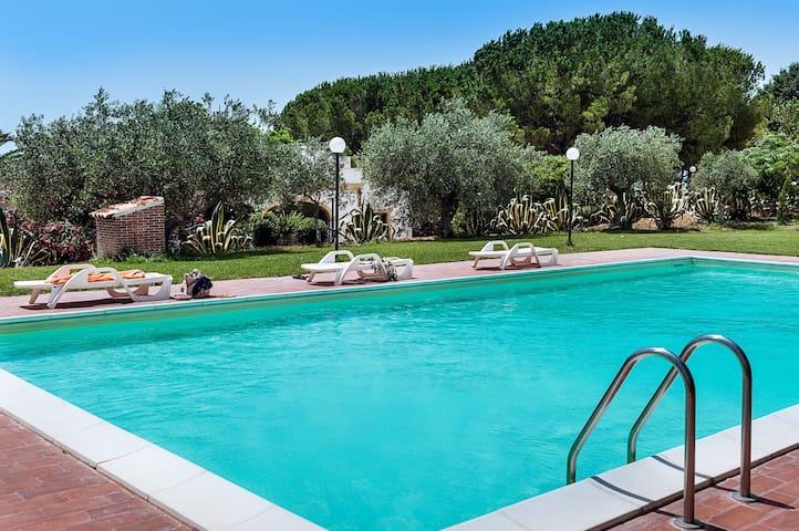 Peaceful villa with private pool, garden, WiFi - Santa Margherita di Belice - Villa