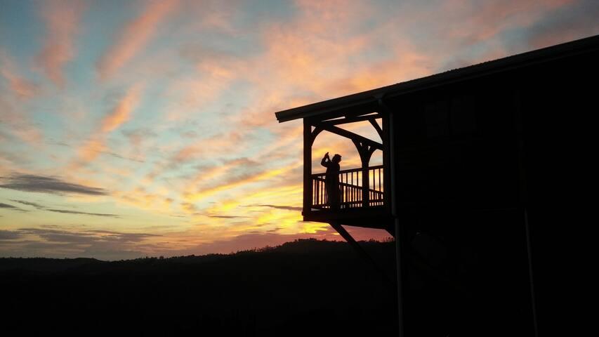 1000 Hills Luxury Cabin - Outer West Durban - Houten huisje