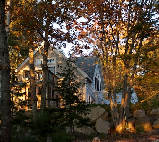 Charming Waterfront Cottage - Franklin - Hus