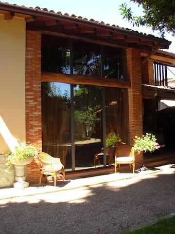 Casa sul giardino_Lago di Monate - Cadrezzate