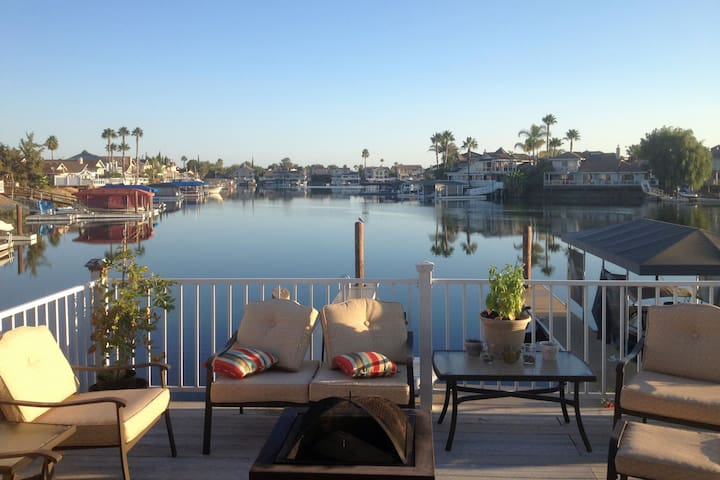 Discovery Bay-4BR Deep Water with Boat Dock - Discovery Bay - Casa