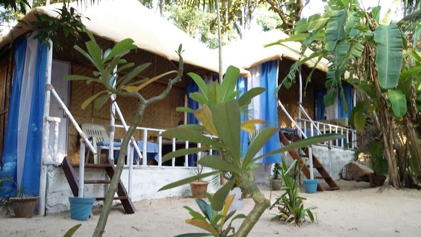Lovely, clean huts at Chattai Palolem (Hut A) - Canacona