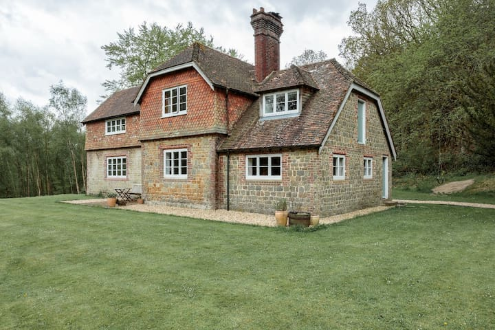 Secluded Woodland Retreat - Stedham - Huis