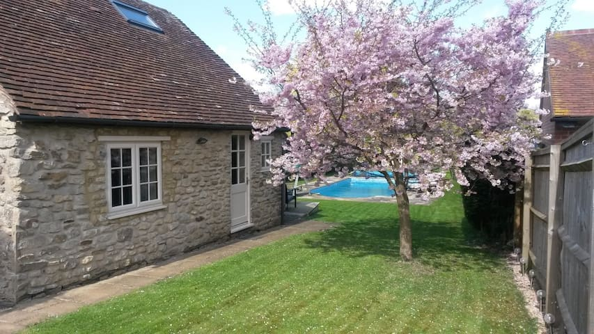 Come and stay at Blossom Cottage. - Wheatley, Oxford - Huis