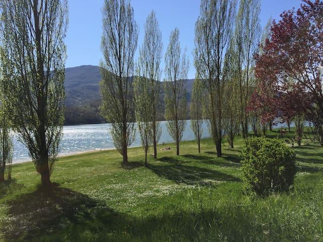 Vacanze e relax sul Lago del Salto - Borgo San Pietro
