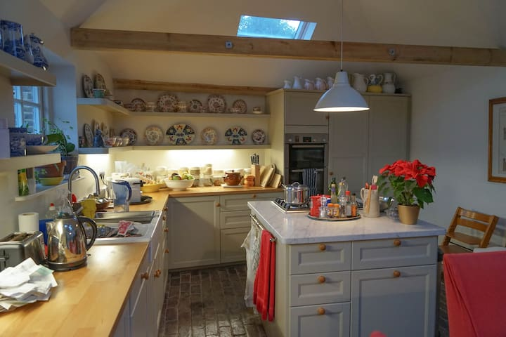Newly converted stable near Meopham station - Meopham