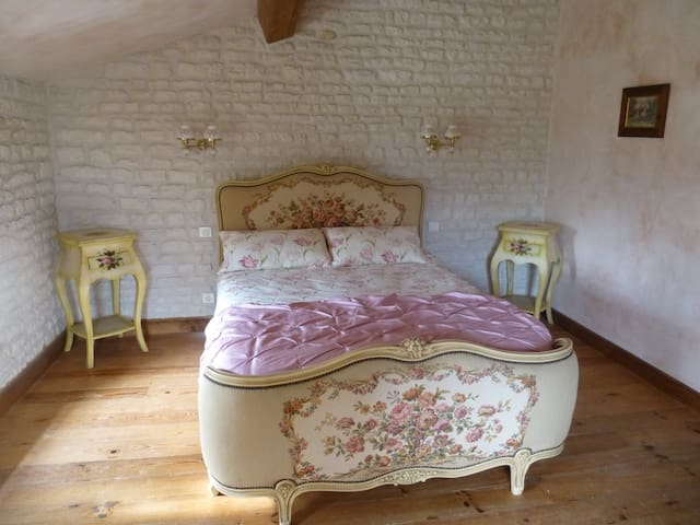 The Blacksmiths Cottage a romantic country retreat - Romazieres - Haus