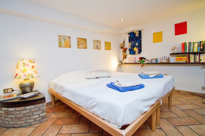 Cozy and Lovely Flat near beaches relax & friendly - Trieste - Leilighet