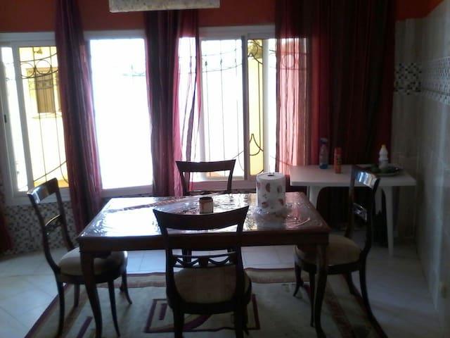 Belle villa équipée à louer à Yene - yenne guedj, quartier lela - Casa