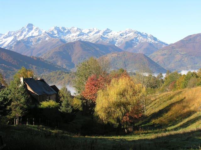 Gîte de montagne,  vue panoramique - Oust - Hus