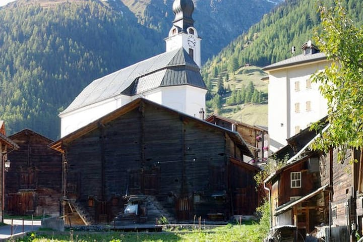 Loft appartment in the Alps - Reckingen-Gluringen - 公寓