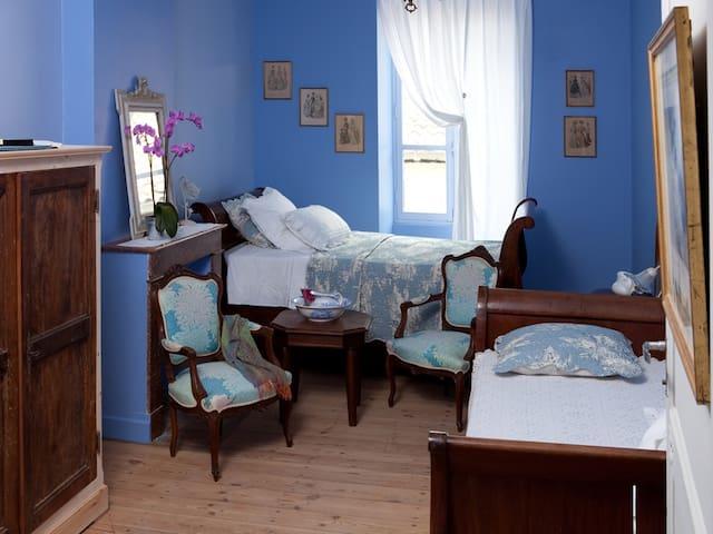 Jacaranda  Les Fleurs des Iles  Monflanquin - Monflanquin - Bed & Breakfast