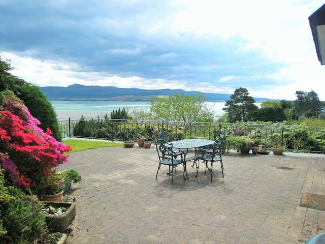 Idyllic Holiday Cottage with Sea & Mountain Views - Gwynedd - Hus