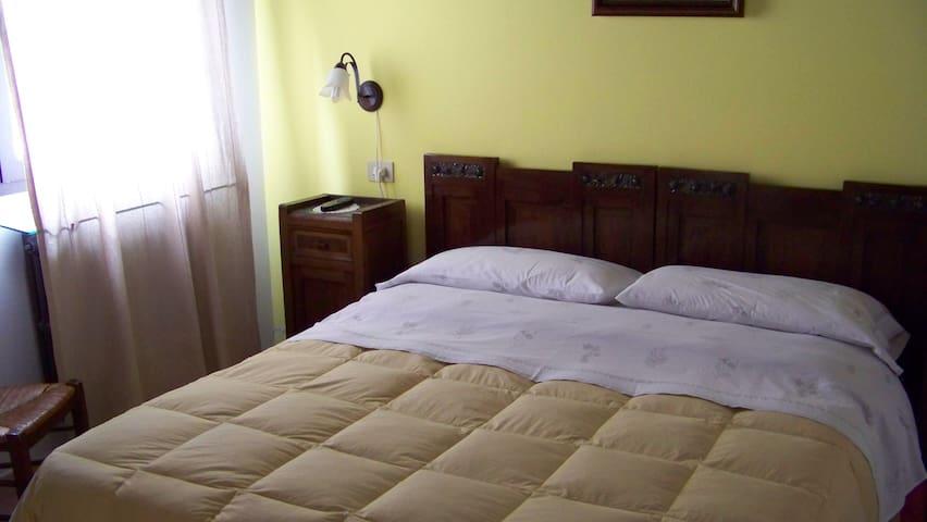 Camera matrimoniale in agriturismo - Gaibanella-Sant'Egidio