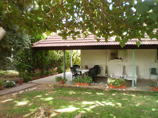 Cozy 2 Bed Room in Hula Valley - Yesud HaMa'ala - アパート