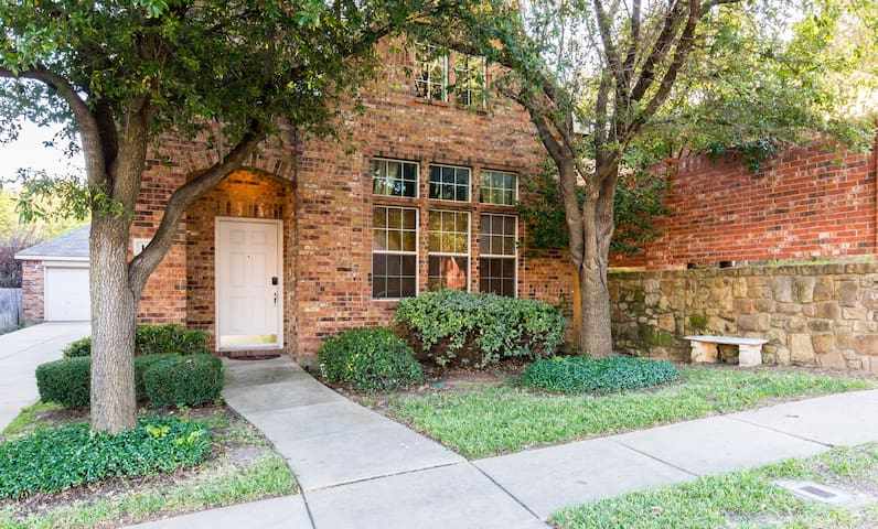 3 BR Euless Vacation Home - Euless