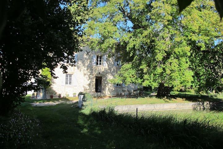 L'obérie - Montvendre - Hus