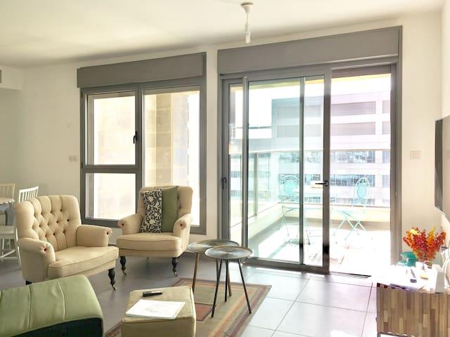 Beautiful 2 bdrm 2 bathroom apt in luxury building - Tel Aviv-Yafo - Lägenhet