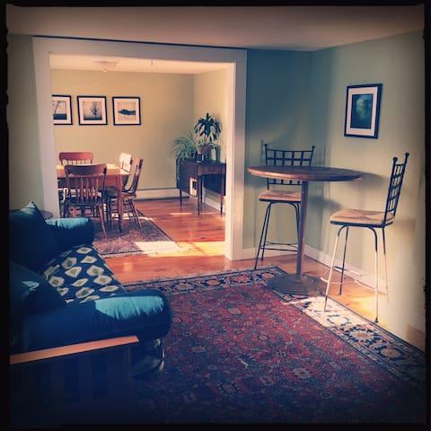 Private apartment on a dairy farm. - Walpole