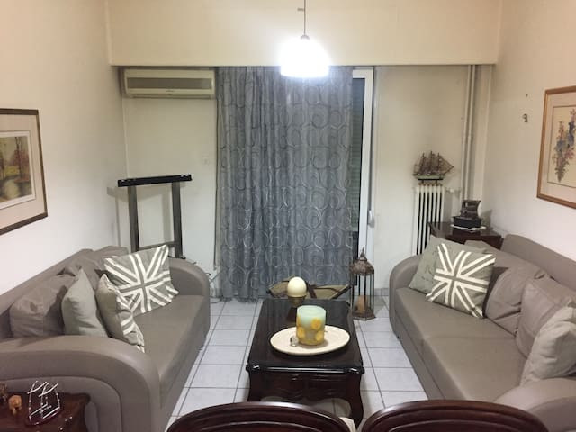 Classic 2 bdrm apartment in the heart of Athens - Galatsi