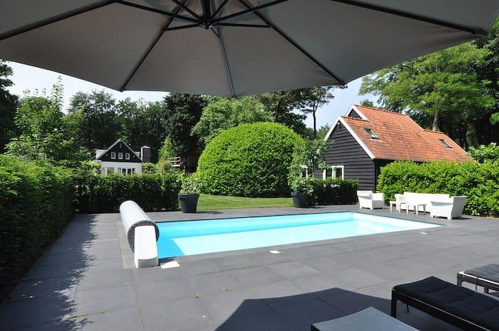 """Prachtige (private) Villa in het bos  """"De Goyer"""" - Eemnes - Bed & Breakfast"""