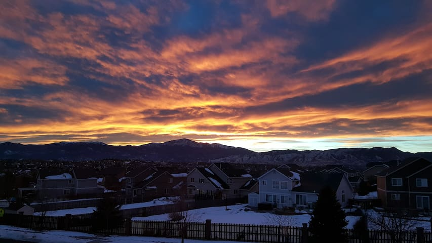 Condo with an incredible view! - Colorado Springs - Íbúð