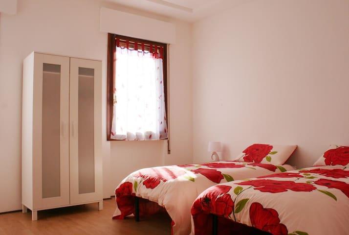 Vittorio Veneto Centro. Appartamento 4 letti. - Vittorio Veneto - Apartamento