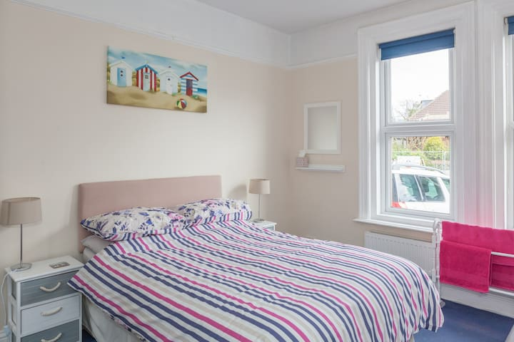 Double ensuite room in Alum Chine - Bournemouth - Bed & Breakfast