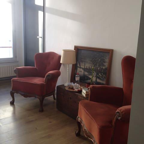Cozy vintage room for 2 in center - Antwerpen - Departamento