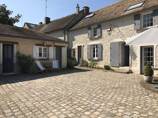 Chambre indépendante - Berchères-sur-Vesgre - Casa
