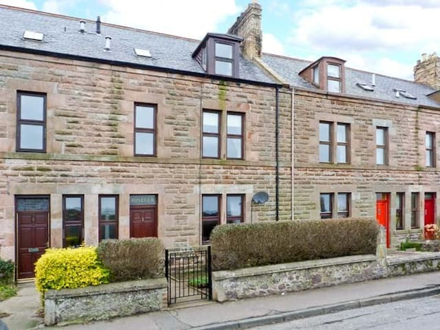 Charming terraced house - Eyemouth