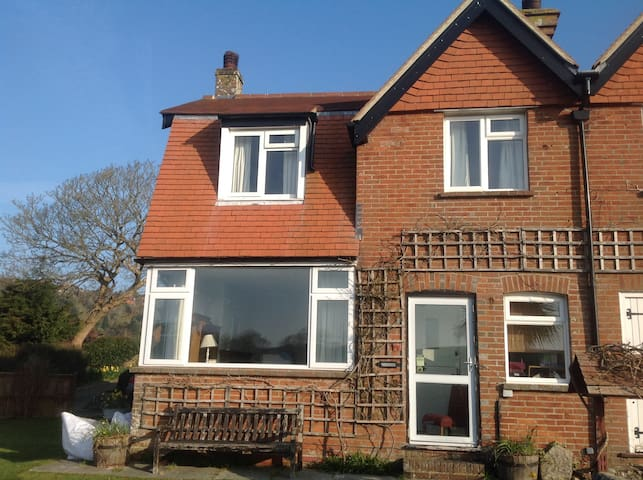 Lovely Cottage close to the Sea - East Dean - Casa