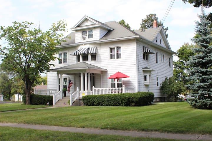 The Phoenix Mansion - Jackson - Casa