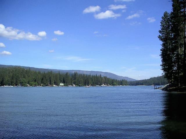 Bass Lake Cozy Cottage - Bass Lake - Casa