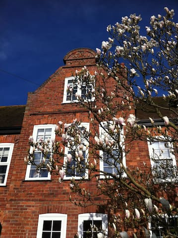 Unique stay in Woodhall Spa - Gable House - Woodhall Spa