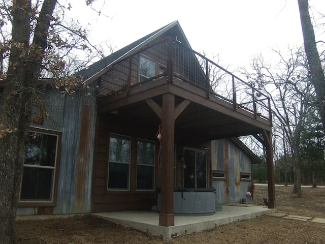 Rustic Poetry Family Ranch Guest House - Royse City - Bed & Breakfast