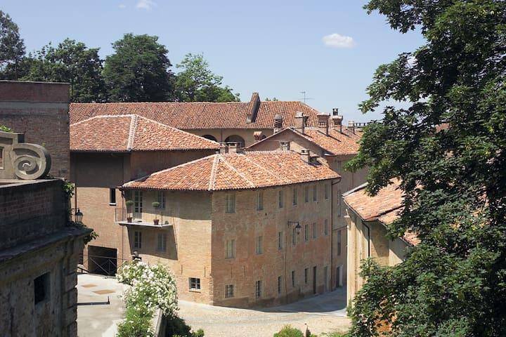 Apartment Locanda Marchesi Alfieri - Asti