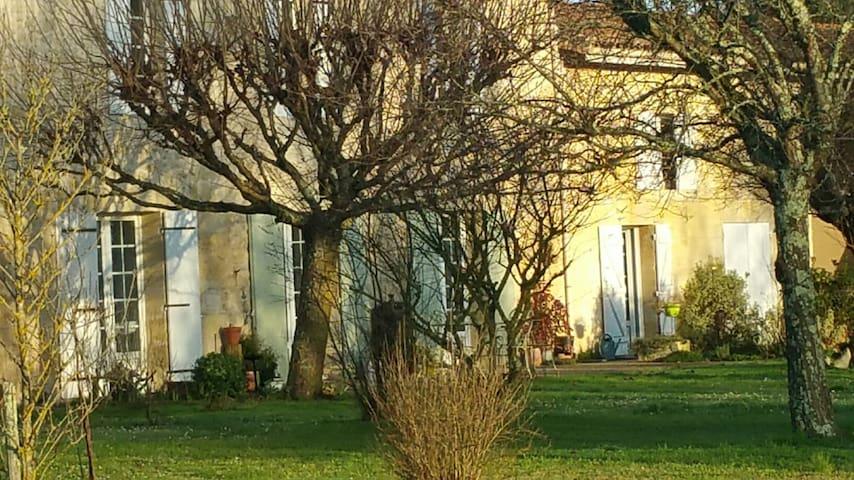 Gîte entre Bordeaux et St Emilion - Génissac - Ev