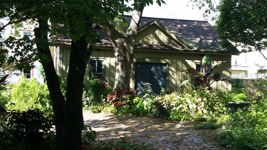 The Carriage House in Sanger House Gardens - Milwaukee