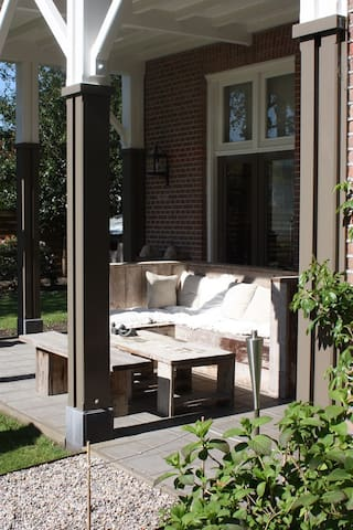 Sunny family home next to the woods - Doorn