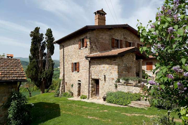 Rustic Chic Cottage in Tuscany - 阿雷佐 - 家庭式旅館