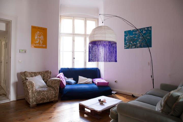 Cozy room in a beautiful apartment in Bergmankiez - Berlin - Apartemen