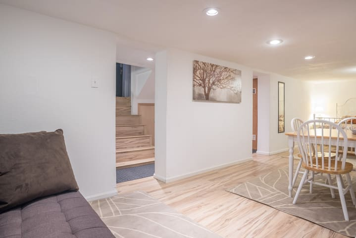 Clean Apartment in Historic Home - Denver - Daire