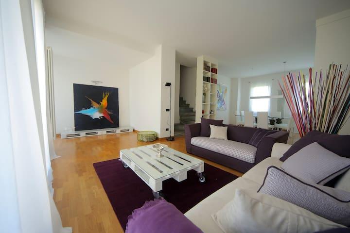 EXCLUSIVE! Close to Milan and F1! - Dosso - Apartamento