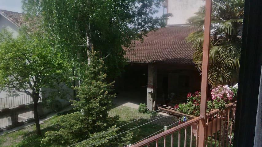 camera matrimoniale indipendente - Montiglio Monferrato - Casa