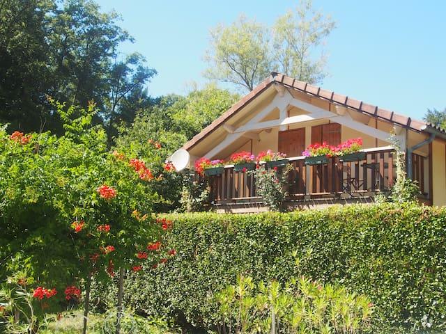 Maison de tourisme *** près du lac ST Et. Cantalès - Saint-Gérons