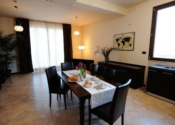 Myres Hotel Residence B&B Cassino - Cassino - Bed & Breakfast