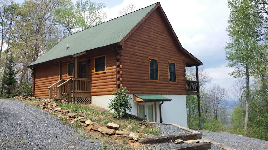 Private cabin in the mountains - Spruce Pine - 一軒家