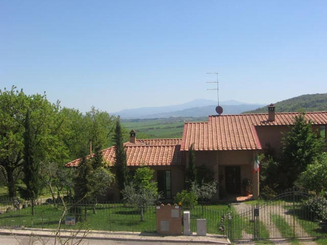 Sunny house on the tuscan hills! - Vescovado - Inny